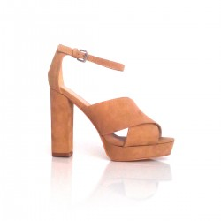 Sandalia tacón cuadrado